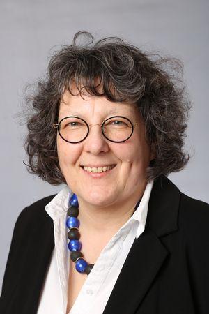 Dr. Carmen Behling